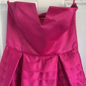 ViNTAGE  BETSY JOHNSON  FUSHIA STRAPLESS DRESS